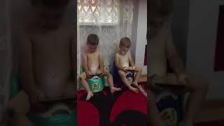 Сучасні діти і айфон...)))