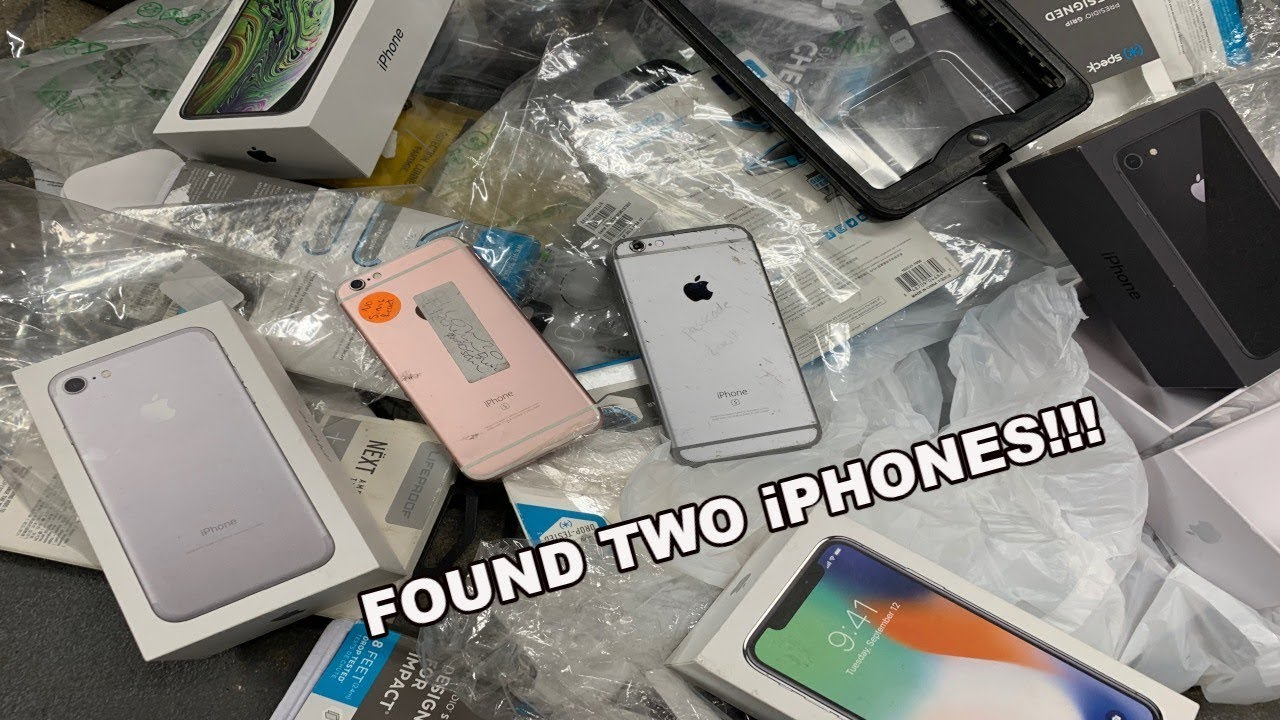 FOUND 2 IPHONE 6S'S DUMPSTER DIVING THE APPLE STORE! FREE IPHONES FROM THE APPLE STORE!