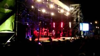 [COMPLETO] Catupecu Machu peleando con los sonidistas en el Corrientes Rock 2012 (16-09-12)