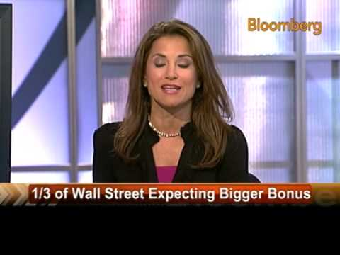 One-Third of Wall Street Workers Expect Bigger Bonus: Video