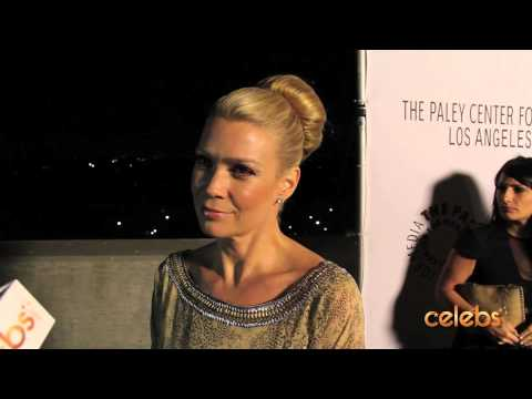 """Laurie Holden Talks Killing Zombies with Michonne in """"The Walking Dead"""""""