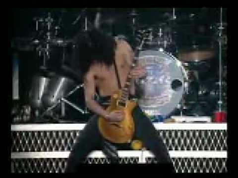 Guns N' Roses - Slash Solo (live in Tokyo)
