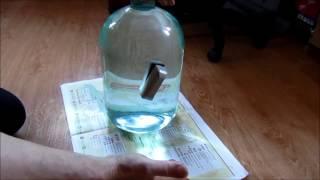 Бутыль стеклянная, отмываем без химии и мочалок.