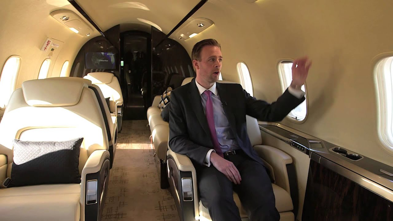 Tour of the Challenger 350 business jet with Simon Burrows