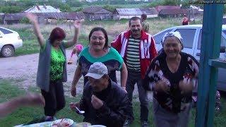 Вот так!! Гуляют в деревне Саратовской обл. Песни , Пляски и Гармонь.Деревня Абдуловка Гудит, Жгет