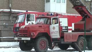 Запорізькі рятувальники ліквідували пожежу в 3-поверховому житловому будинку