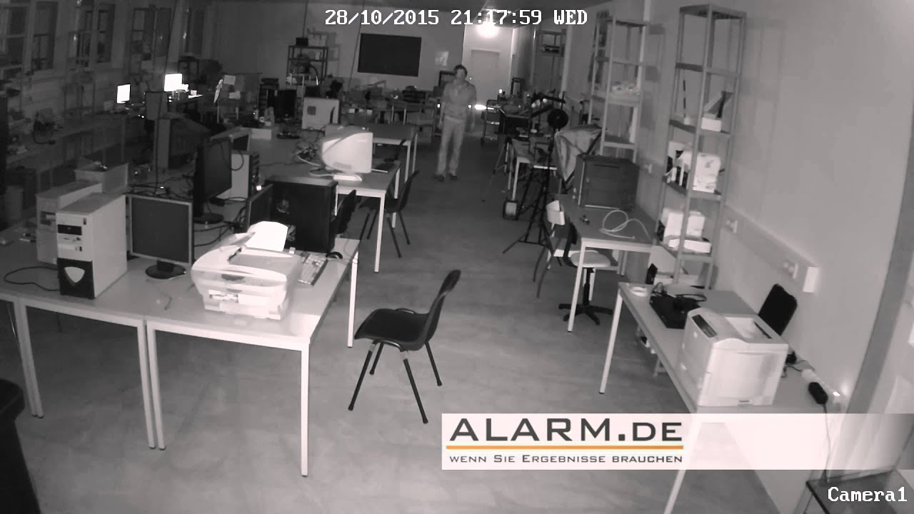 nachtsicht test poe ip berwachungskamera youtube. Black Bedroom Furniture Sets. Home Design Ideas