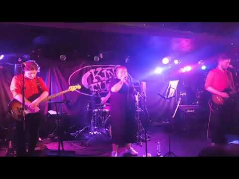Red Hearted Vibrations - circles (live at king tuts)