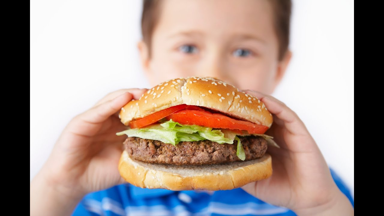 fast food affecting young kids Fast food nutrition should make up a minimal part of a healthy diet fast foods and junk foods are high in fat, sodium and sugar, which can lead to obesity and a range of attendant health problems, including diabetes, heart disease and arthritis.