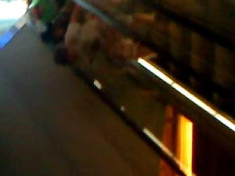 ( Rolltreppen-SKI springen) 6 Bekloppte Siegener in Berlin