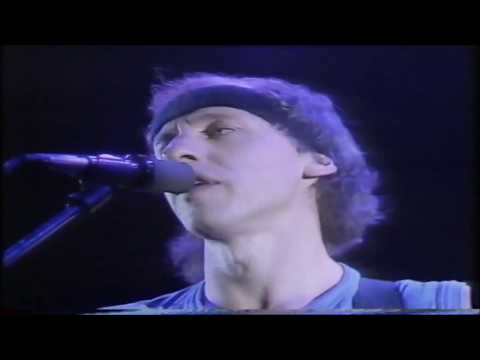 Private Investigations - Dire Straits (live at Wembley Arena, 1986)