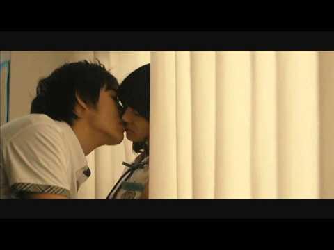 Classroom Kiss thumbnail