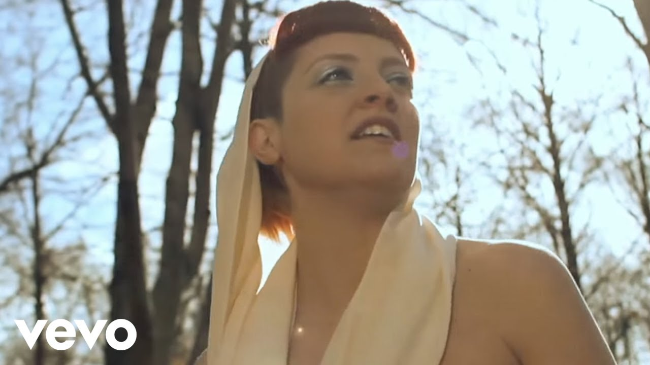 Noemi bagnati dal sole videoclip youtube