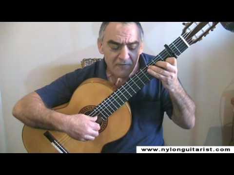 Sal Bonavita sings