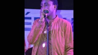 Download Wally B. Seck - Miirna Live Vogue 2017 MP3 song and Music Video
