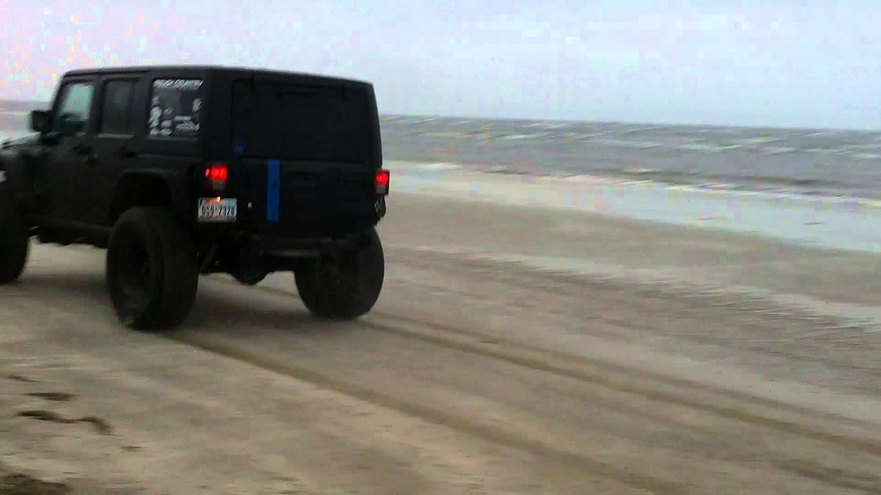 2 door 2013 jeep vs 4 door 2012 jeep on 37 39 s youtube. Black Bedroom Furniture Sets. Home Design Ideas