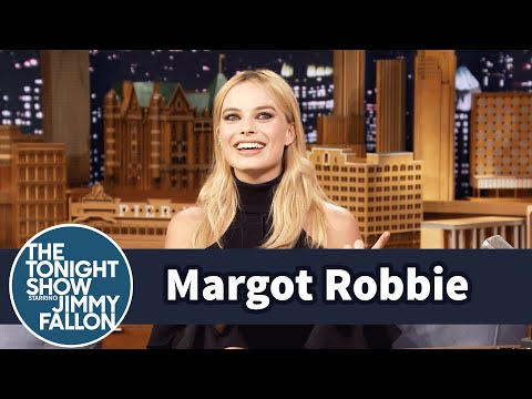Thumbnail: Margot Robbie Learned to Hold Her Breath for Five Minutes for Suicide Squad