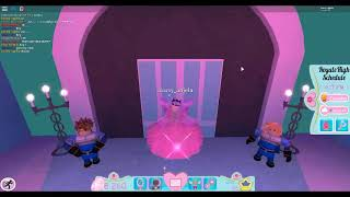 roblox (royale high school)im going to ned level up to diamonds to buy buy new skirt(part 1)