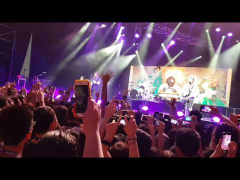Fall Out Boy Performs With The Rock afire Explosion