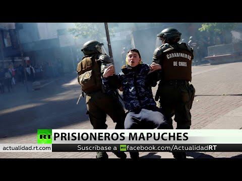 Policía de Chile desaloja una protesta en apoyo a los presos mapuche en huelga de hambre