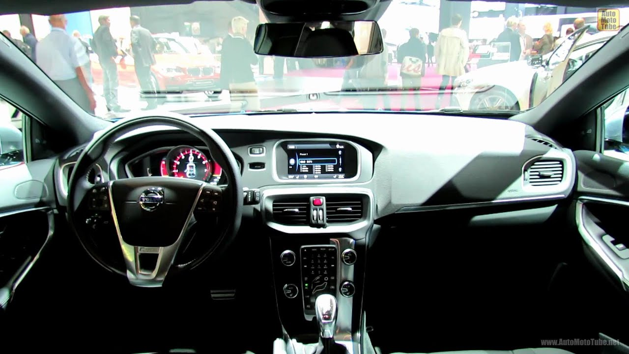 2013 volvo v40 t5 r design interior 2012 paris auto show for Interieur xc40
