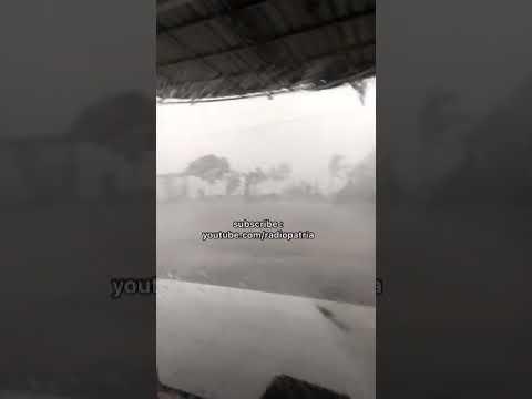 Evakuasi Beberapa Pohon Tumbang & Tiang Listrik Roboh Karena Puting Beliung Di Blitar Dilanjutkan
