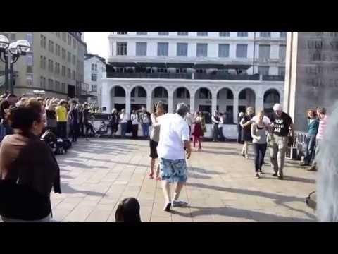 Hamburg Rathausmarkt  - Swinging Hamburg - Tanzen in der City