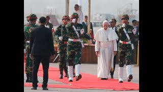 Pope Francis arrives in Bangladesh