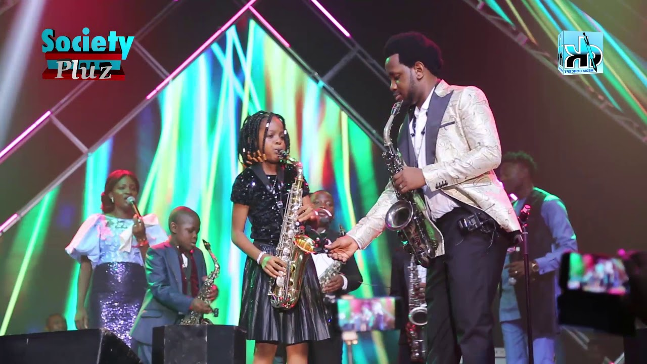Download NIGERIAN KIDS' SAXOPHONIST, THRILLS AUDIENCE AT BEEJAY SAX LIVE 2019 IN LAGOS