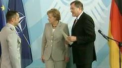 Erste Ehrenkreuze der Bundeswehr für Tapferkeit verliehen