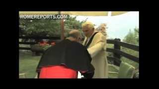 Papa reitera confianza en Tarcisio Bertone tras el escándalo Vatileaks