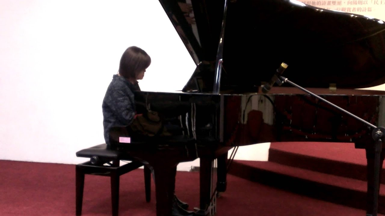 新鴛鴦蝴蝶夢 社教館3204鋼琴成果發表會 現代流行爵士鋼琴班-黃同學 - YouTube