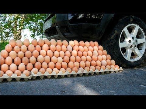 Car vs 400 Eggs Pyramide EXPERIMENT