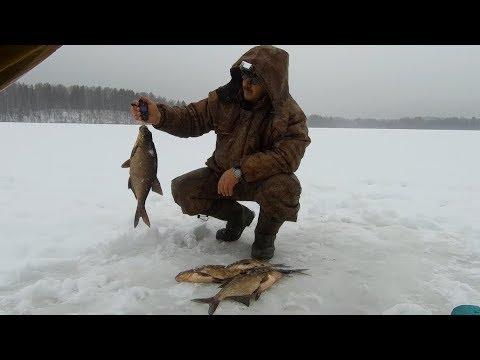 КЛЁВ ЛЕЩА! Зимняя рыбалка с ночёвкой - 6