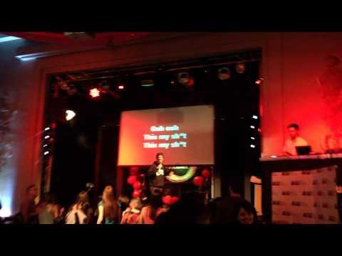 Hollaback Girl Karaoke