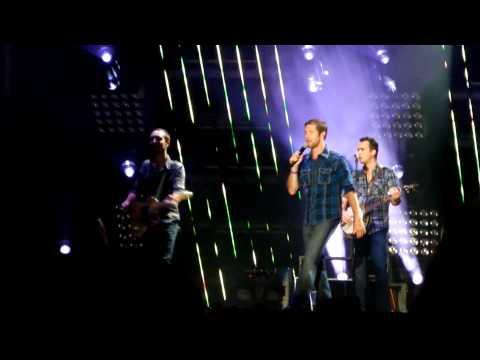 Josh Turner - Would You Go With Me - CMA Nashville 2011