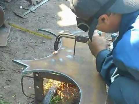 Газорезка металла - циркуль для горелки.