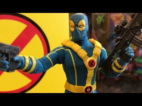 Episode 164 - TOY HUNTING At Toys R Us, SDCC MEZCO Deadpool Showcase, And More!