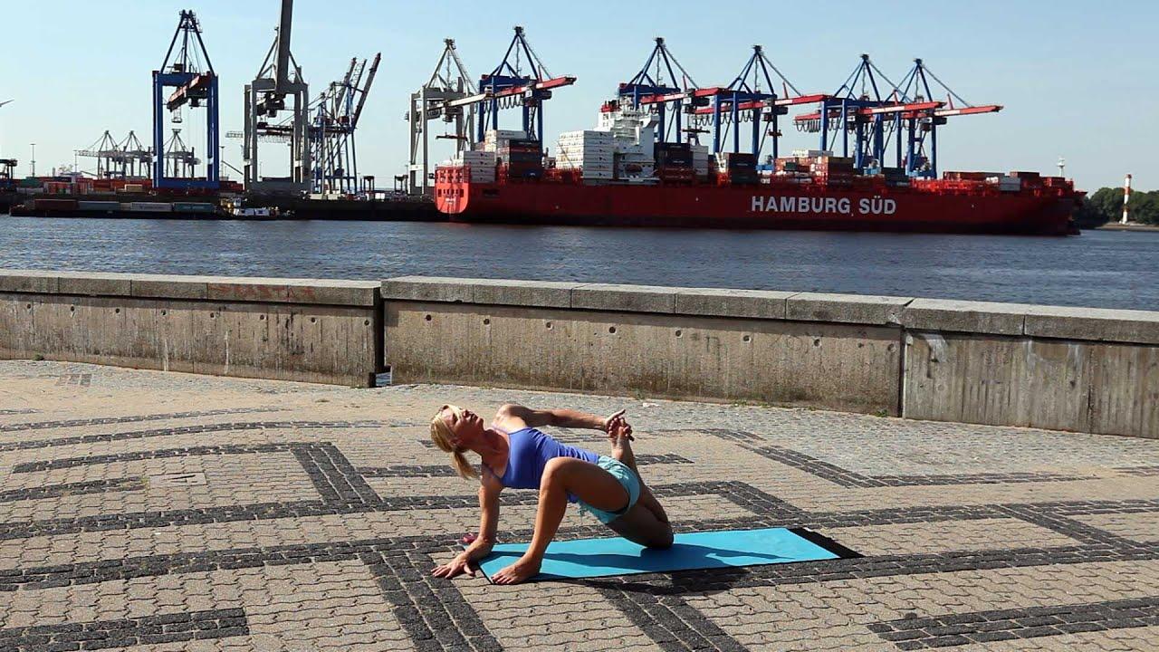 Yoga Workout für Hüfte und unteren Rücken - YOGAMOUR #59 - YouTube