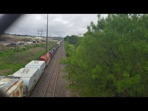 Union Pacific CN west at Bowling street Bridge (05/19/19)
