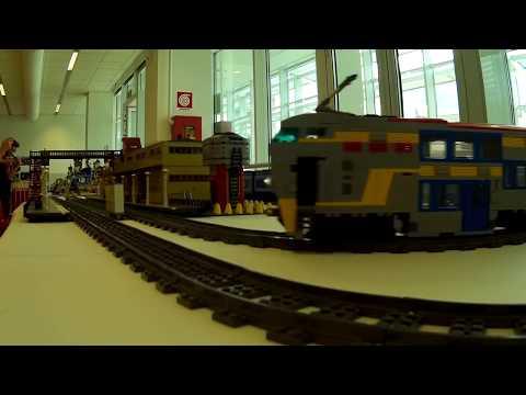 Trenini LEGO a due piani