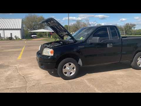 2007 Ford F-150 STX 2WD (1FTRF12287K) with an 4.2L V6 OHV 12V engine, located at 17760 Hwy 62, Morris, OK, 74445, (918) 733-4887, 35.609104, -95.877060 - Photo #0