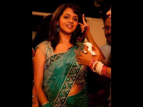 Bhavana Hot Navel Show