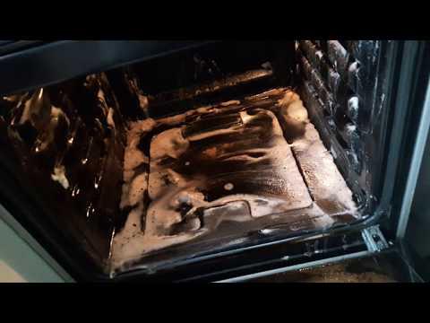 Как почистить духовку уксусом и содой