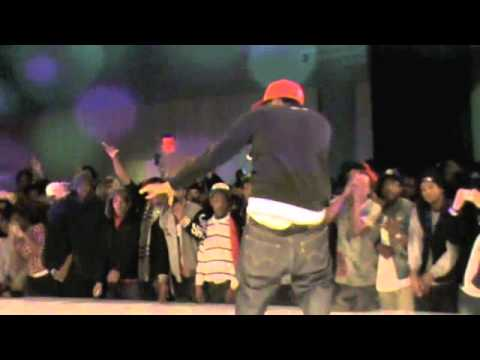 CURREN$Y [CURRENSY] PERFORMS LIVE AT THE RED BULL ROPE MASTERS