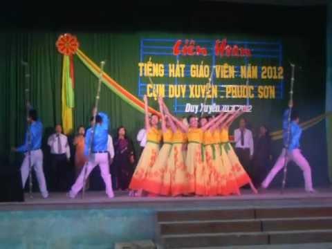"""Trường Nguyễn Hiền múa hát: """"Rạng Rỡ Việt Nam"""""""