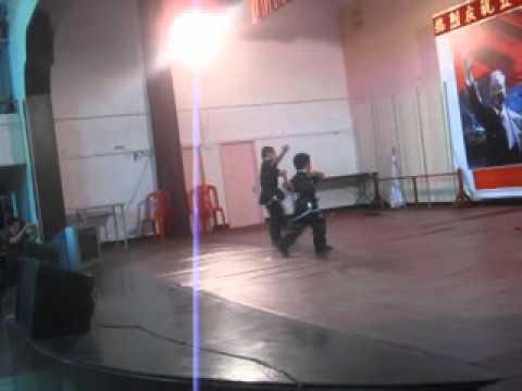 Mauritius,Wu Shu demo by 6 yrs old kids.wmv