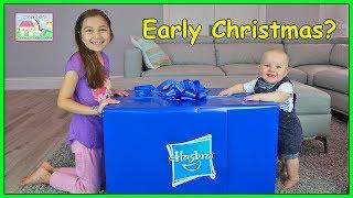 Giant Surprise Present Toys w/ Ariel & Disney Princess Castle!