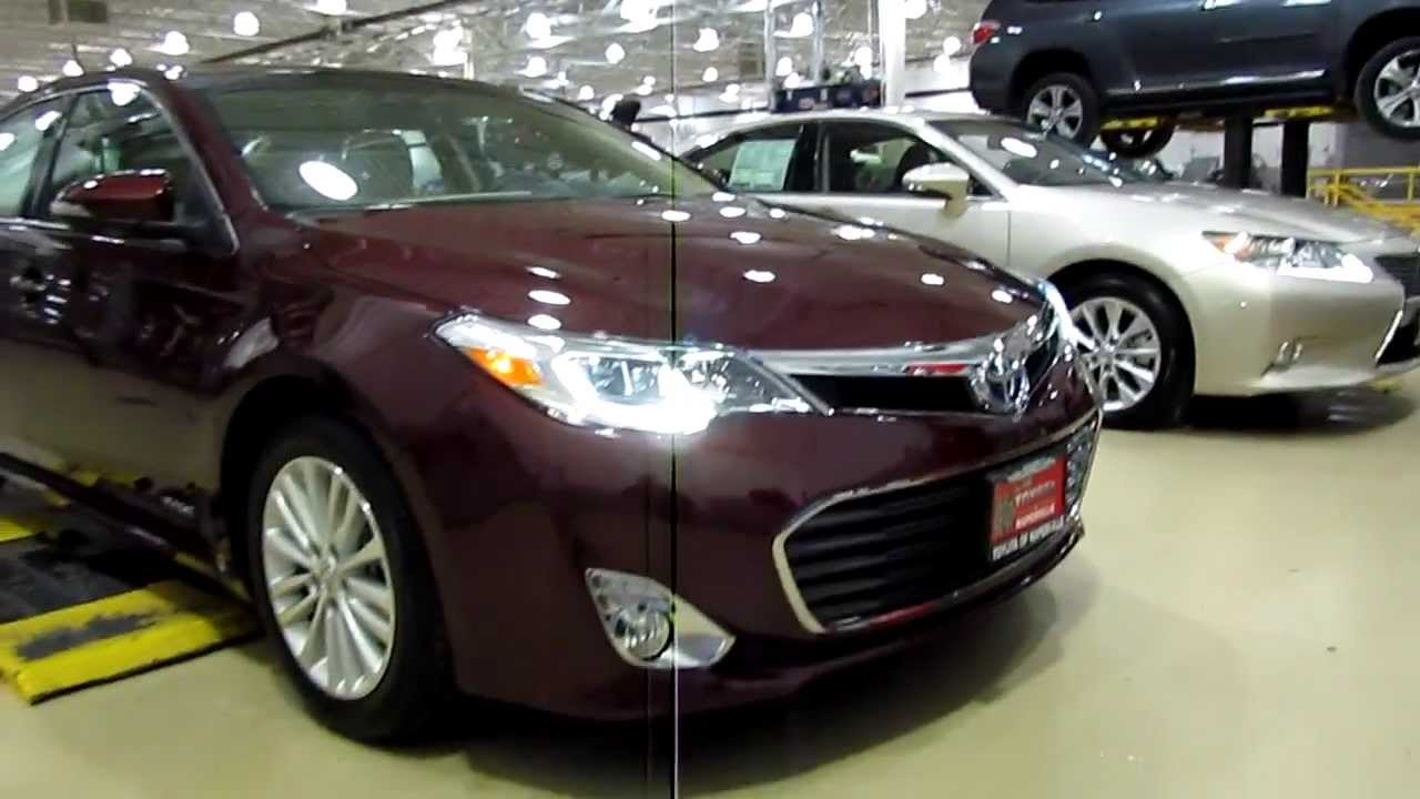 2013 lexus 300h hybrid and 2013 toyota avalon limited hybrid front end with drl led lights on. Black Bedroom Furniture Sets. Home Design Ideas