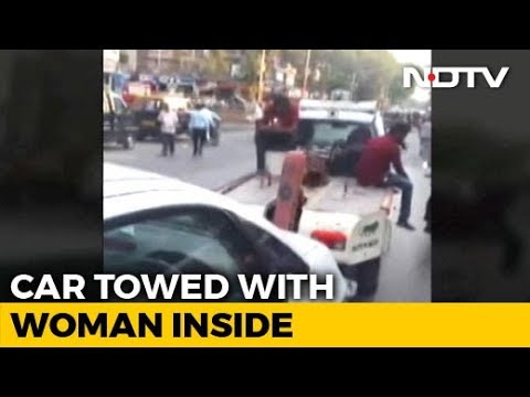 Mumbai Police Tow Car With Woman Breastfeeding Her Baby Still Inside